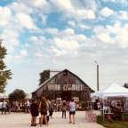 Home Decor: Chandelier Barn Market