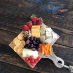 How to: Make a Cheese & Charcuterie Board